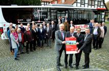 Eröffnungbild zur Landesbuslinie Sulingen mit allen Beteiligten